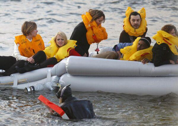 Пассажиры самолета Аэробус-320, упавшего в реку Гудзон в США