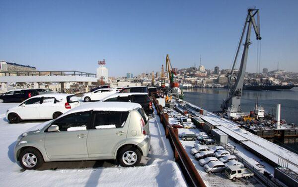 Ввоз иномарок через таможни Дальнего Востока снизился в 4,4 раза