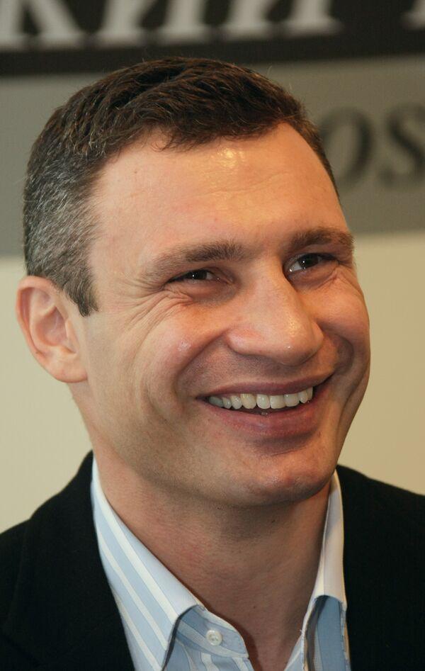 Виталий Кличко защитил титул чемпиона мира, победив Гомеса