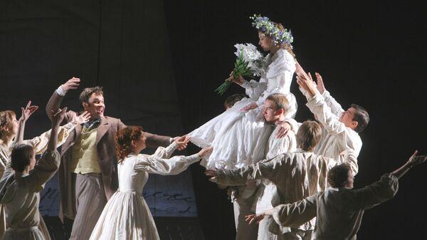 Сцена из спектакля Берег утопии по пьесе Тома Стоппарда в РАМТе в Москве