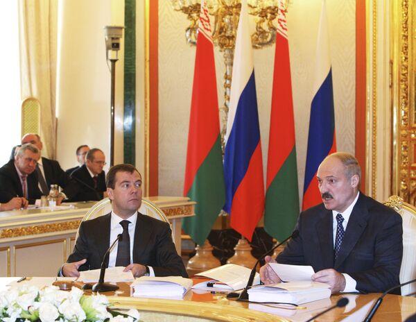 Д.Медведев и А.Лукашенко на заседании Высшего Государственного Совета Союзного государства России и Белоруссии в Кремле