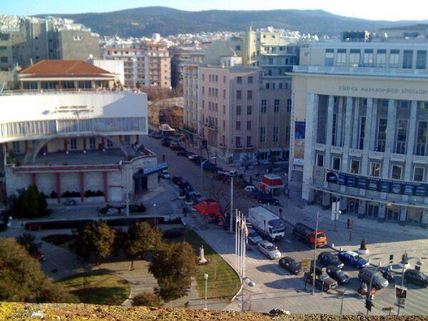 Греческий полицейский задержан за нападение с лазером на коллег