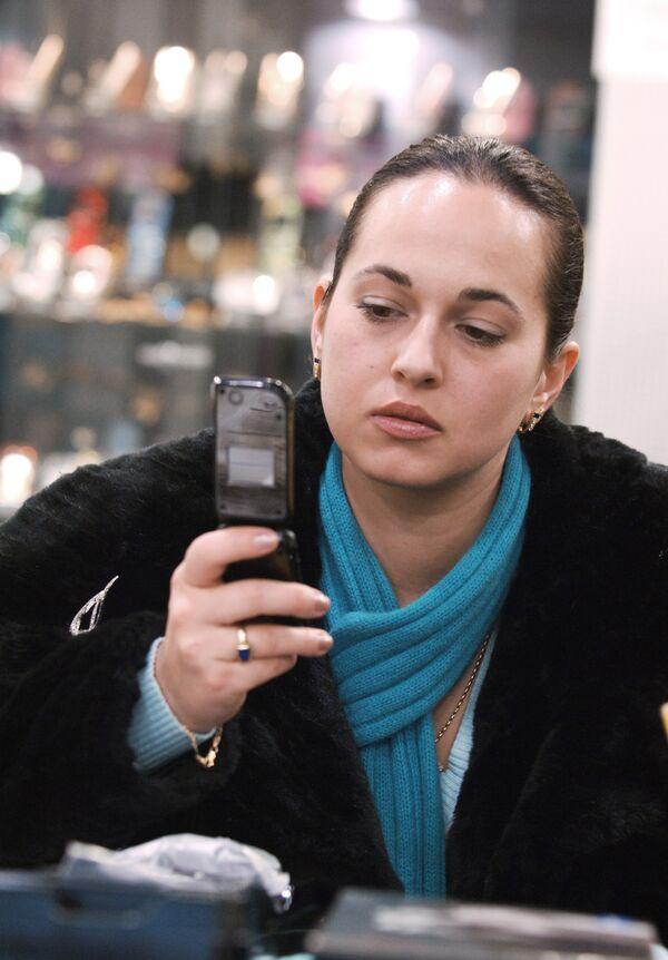 Спамеры атакуют любителей чужих SMS-сообщений
