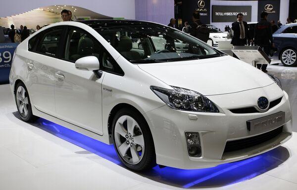 Toyota Prius 3 на Женевском международном автосалоне. Архив