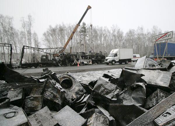Крупное ДТП с участием автобуса и грузовика в пригороде Петушков во Владимирской области