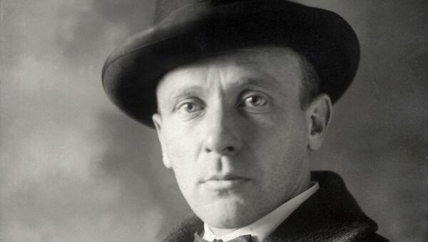 Писатель Михаил Булгаков. Архивное фото