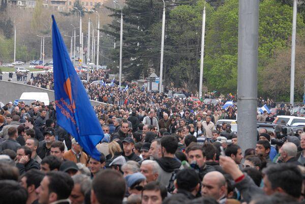 Уже месяц продолжаются акции грузинской оппозиции по свержению президента Саакашвили