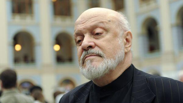 Геннадий Полока на чрезвычайном съезде Союза кинематографистов в Москве