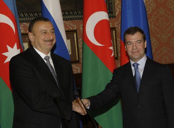 Президенты Азербайджана и России Ильхам Алиев и Дмитрий Медведев. Архив.