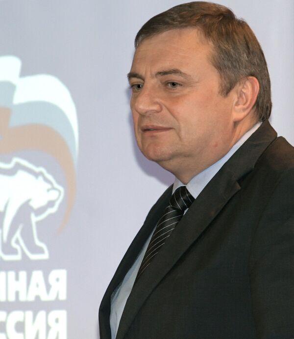 Единоросс Анатолий Пахомов уверенно лидирует на выборах мэра Сочи