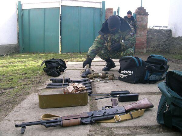 Оружие и боеприпасы обнаружены в Хасавюртовском районе Дагестана