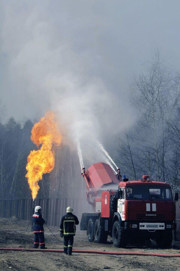 МЧС ликвидирует прорыв магистрального газопровода в Ингушетии