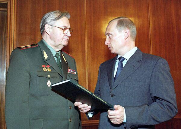 Встреча В.Путина и В.Варенникова в Кремле