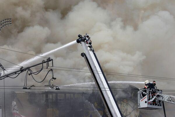 Пожар в игровом развлекательном центре на Смоленской площади