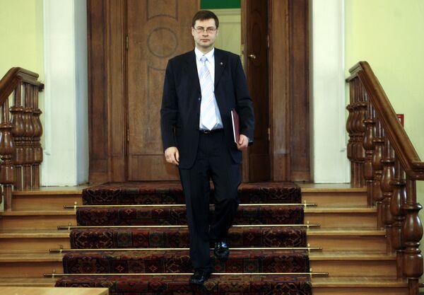 Премьер-министру Латвии Валдису Домбровскису президент Валдис Затлерс поручил формирование нового правительства. Архив