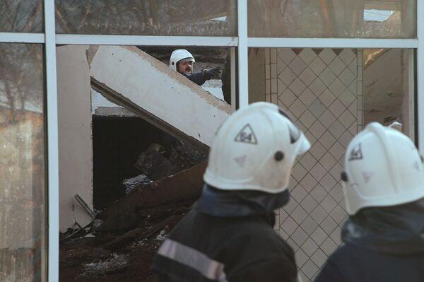 По факту обрушения крыши на катке Полюс проводится проверка