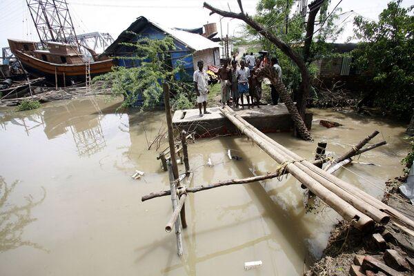 Последствия циклона Айла в Индии. Архив