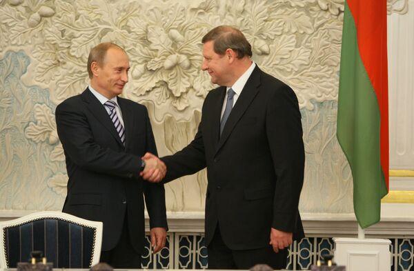 В.Путин и С.Сидорский на заседании Совета министров СГРБ в Минске