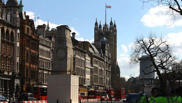 Вид на здание парламента в Лондоне. Архив