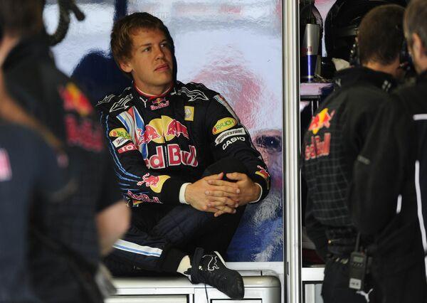 Себастьян Феттель во время практики Гран-при Великобритании