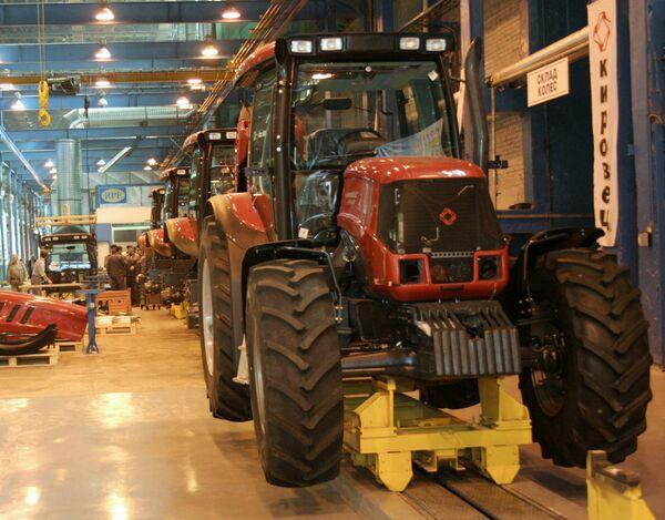 Новая конвейерная линия по производству тракторов на Кировском заводе