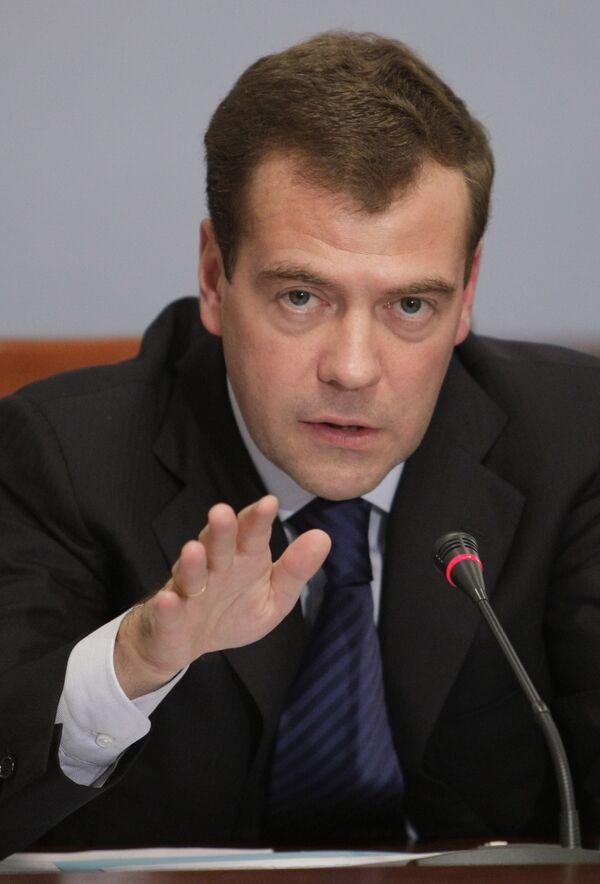 Медведев: следствие по делу Эстемировой должно идти без истерик