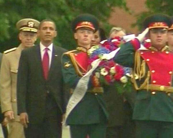 Барак Обама возложил венок к могиле Неизвестного солдата