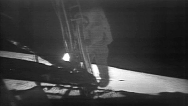 НАСА обнародовало отреставрированную видеозапись прогулки по Луне