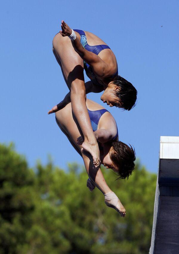 Китайские прыгуньи в воду Чен Руолин и Ван Синь на ЧМ в Риме.