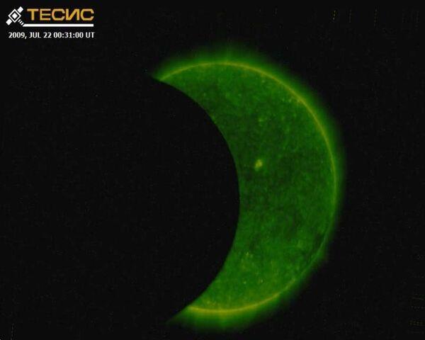Взгляд из космоса на самое длинное солнечное затмение