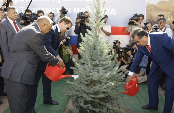 Второй день рабочего визита президента РФ Д.Медведева в Республику Таджикистан