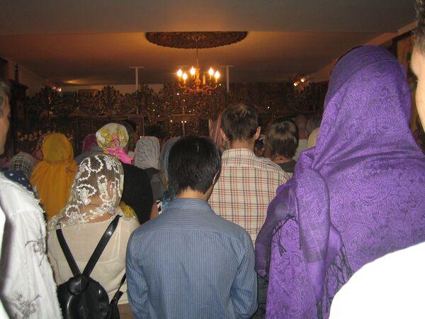 Богослужение в Храме св. Николая в Бангкоке