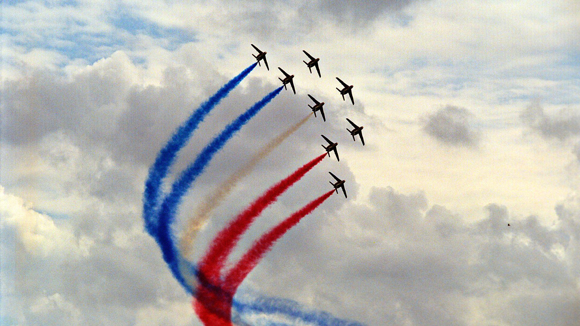 Выступление пилотажной группы Патруль де Франс - РИА Новости, 1920, 08.05.2021