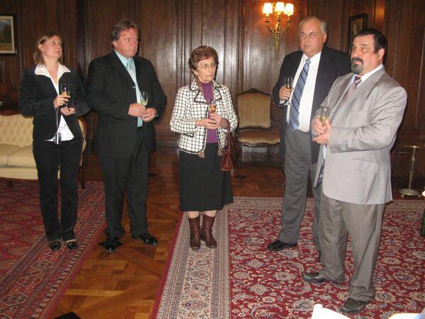 На встрече российских соотечечественников в Аргентине в посольстве РФ в Буэнос-Айресе
