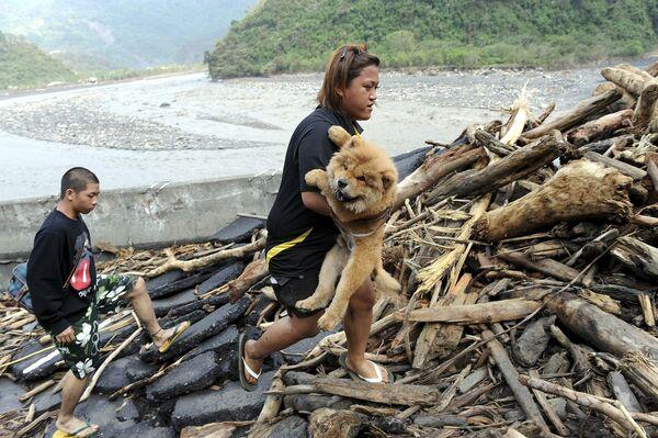 Количество жертв тайфуна Кетсана во Вьетнаме превысило 30 человек