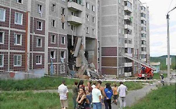 Восстановительные работы начались в доме, разрушенном взрывом газа