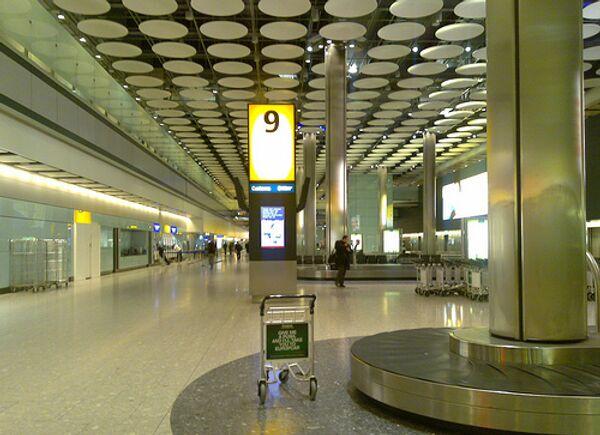 Лондонский Хитроу скоро начнет сканировать пассажиров в полный рост