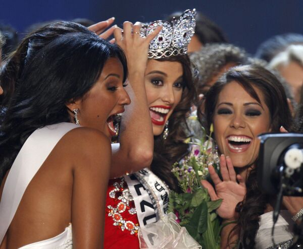 Победительницей конкурса красоты Мисс Вселенная 2009 стала представительница Венесуэлы Стефания Фернандес