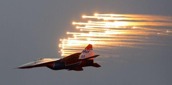 Одиночный пилотаж на самолете МиГ-29, пилотажной группы Стрижи