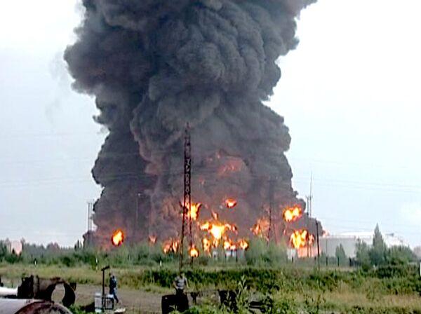 Пожар на нефтехранилищах в Югре. Съемки очевидца