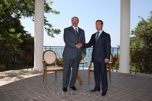 Неформальная встреча президентов России и Белоруссии Дмитрия Медведева и Александра Лукашенко