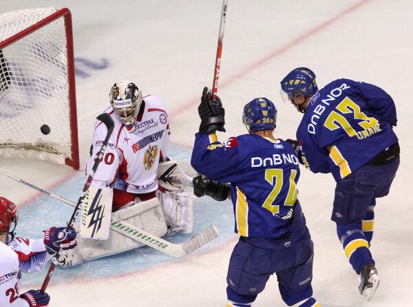 Хоккей. Вынесенный матч Евротура 2009-2010. Матч сборных команд России и Швеции