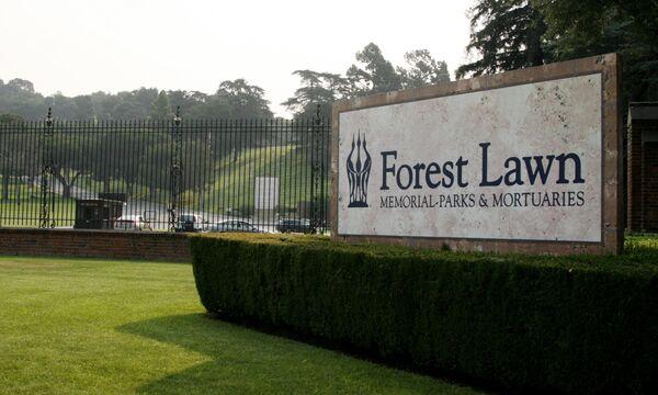 Кладбище Forest Lawn Memorial Park в Калифорнии