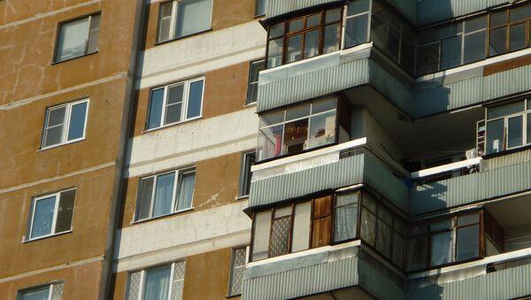 Дом №9 на Лукинской улице, из окна которого велась стрельба по людям. Фото с места событий