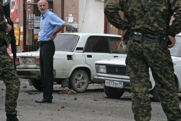 Пять милиционеров ранены при взрыве в Грозном, данных о жертвах нет