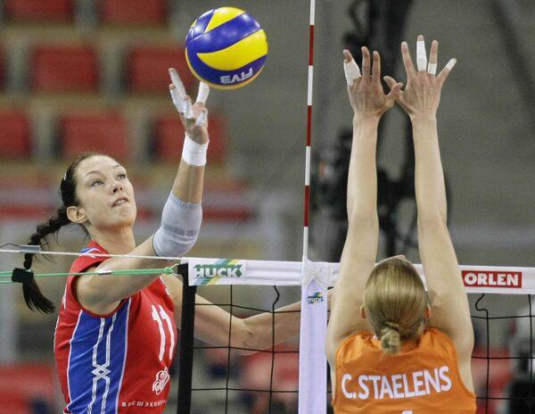 Екатерина Гамова (слева)