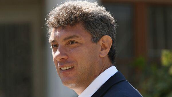 Немцов пришел в суд на рассмотрение иска Батуриной к нему