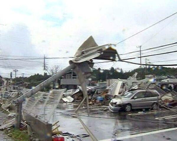 Тайфун Мелор превратил японские города в руины