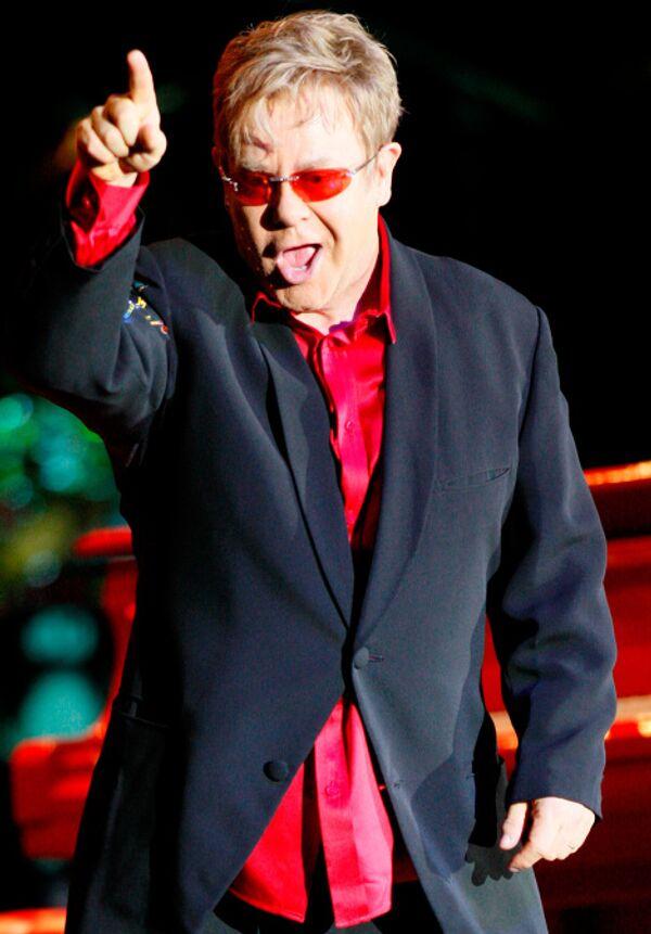 Британский певец Элтон Джон. Архив