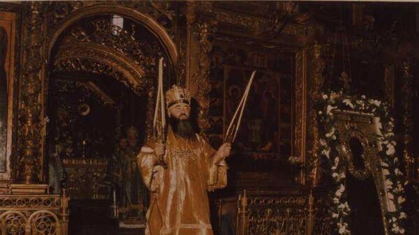 Митрополит Никодим на службе в Троице-Сергиевой Лавре